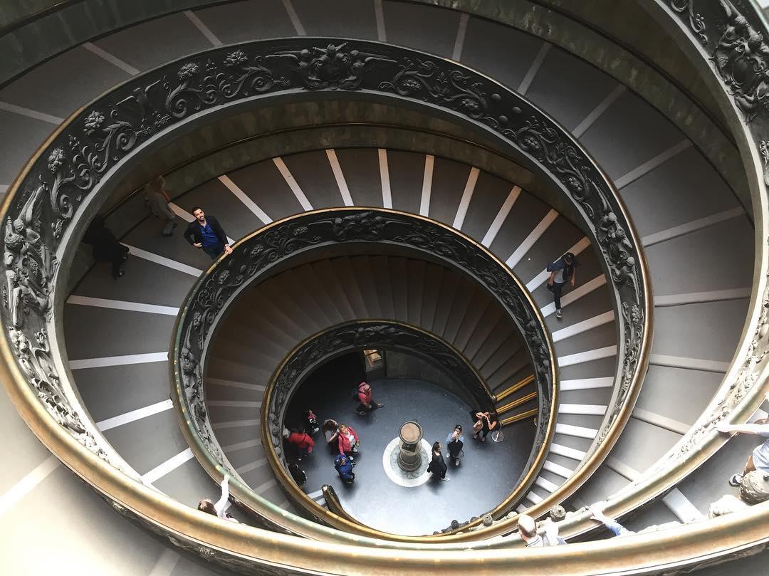 Круглая лестница в Ватикане