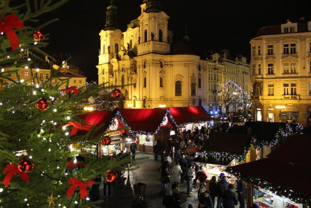 Староместкая площадь на Рождество