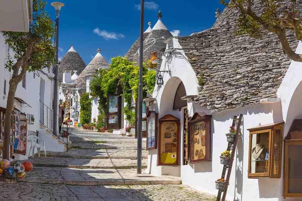 Красивейший город Альберобелло внутри