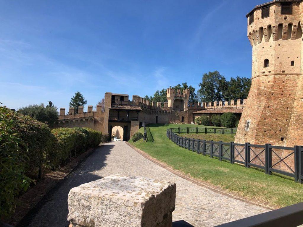 Панорама крепости Градара