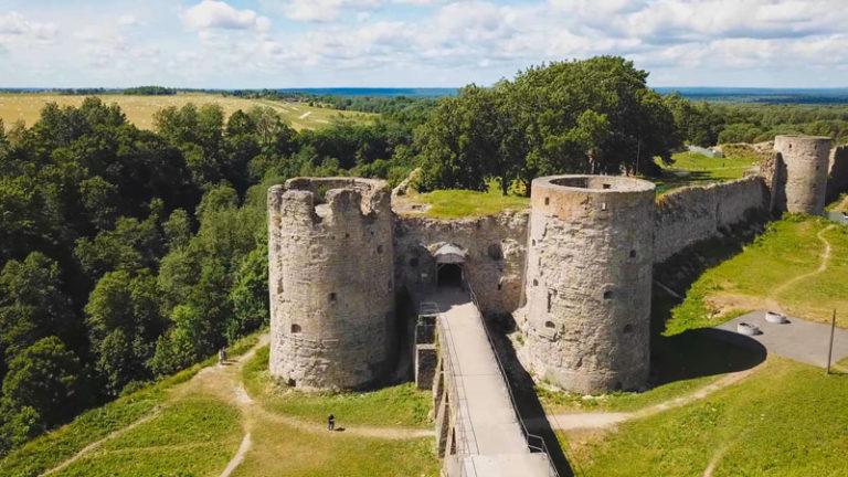 Крепость Копорье с высоты птичьего полета