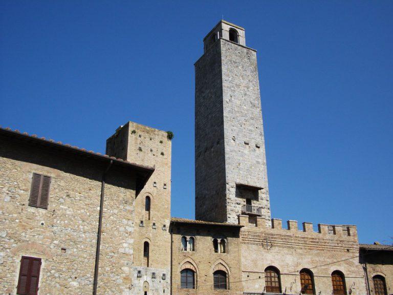 Башня подесты (Часовая башня)