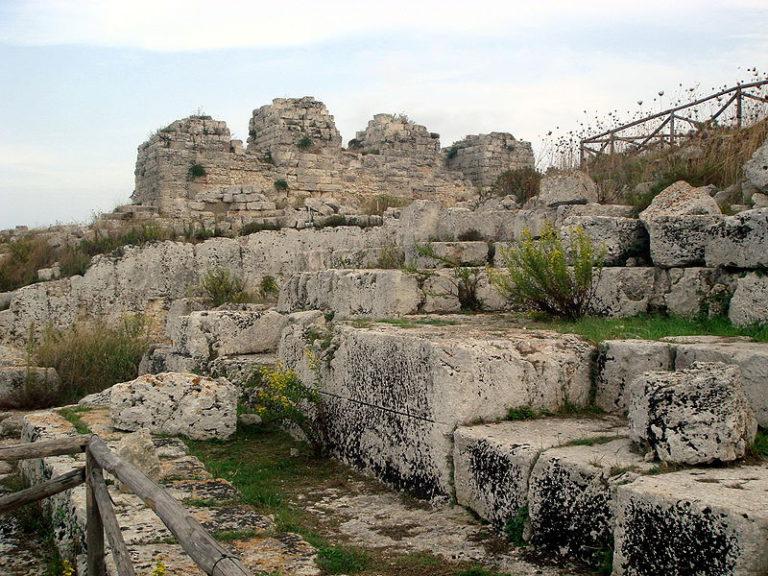 Замок Эуриало