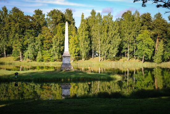 Чесменский обелиск Гатчина