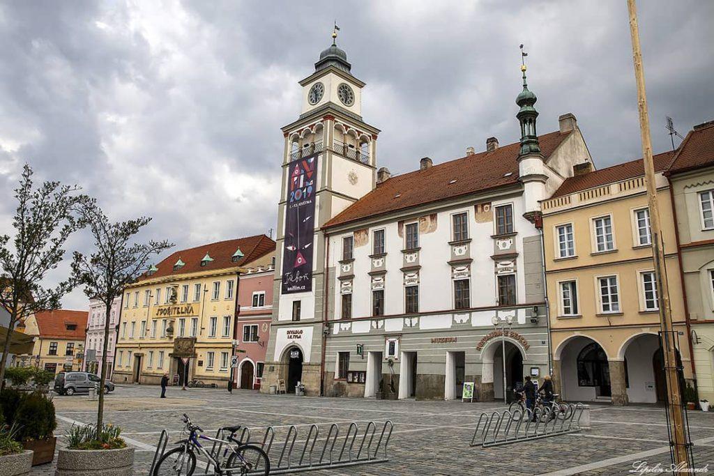 Городская площадь в Тршебоне