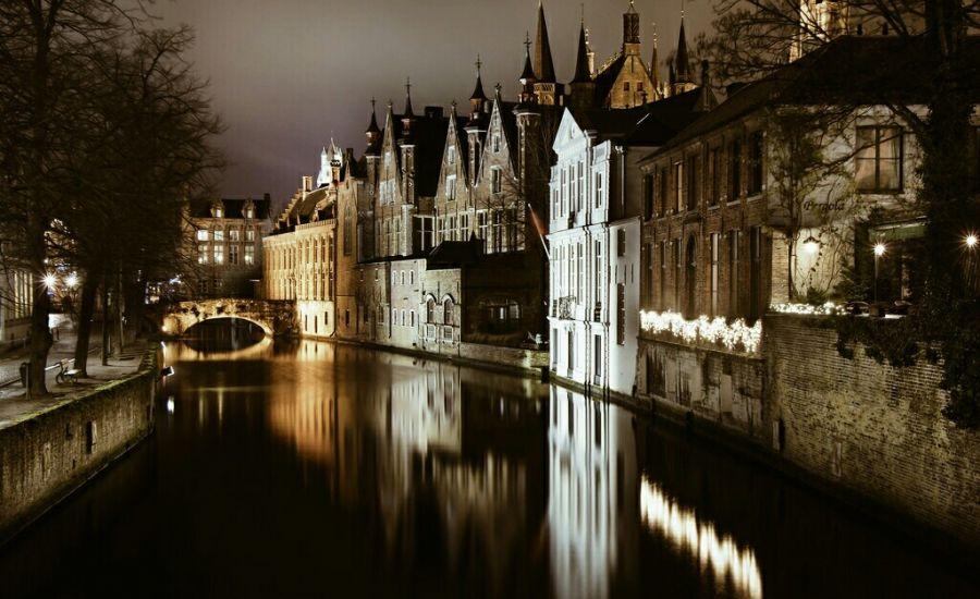 Вид на ночной Брюгге