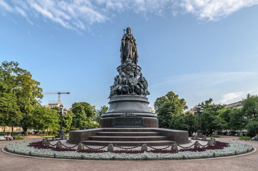 Памятник Екатерине II Великой Санкт-Петербург