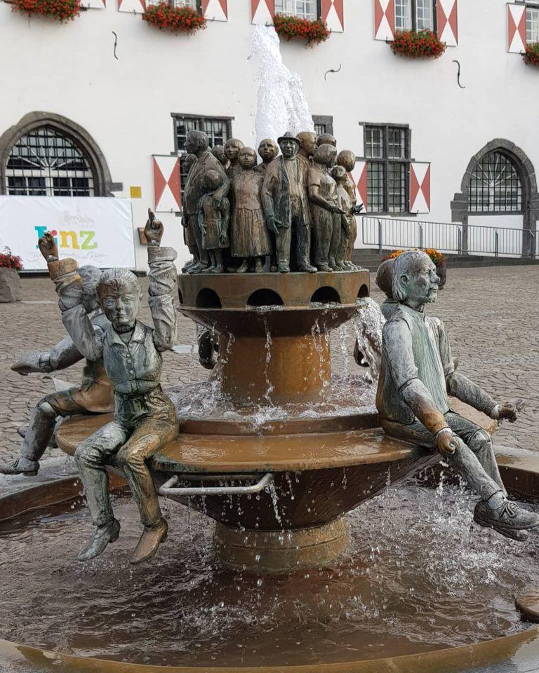 Памятник Парламенту в Литце