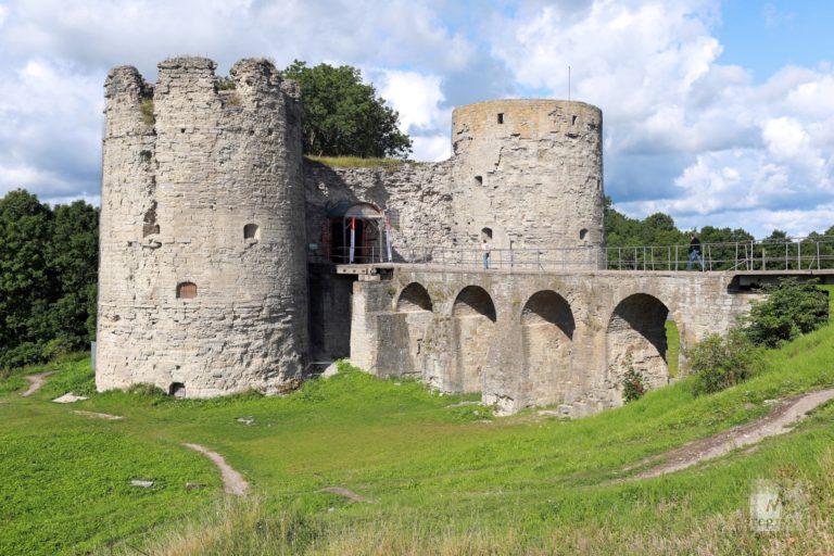 Башни Копорской крепости