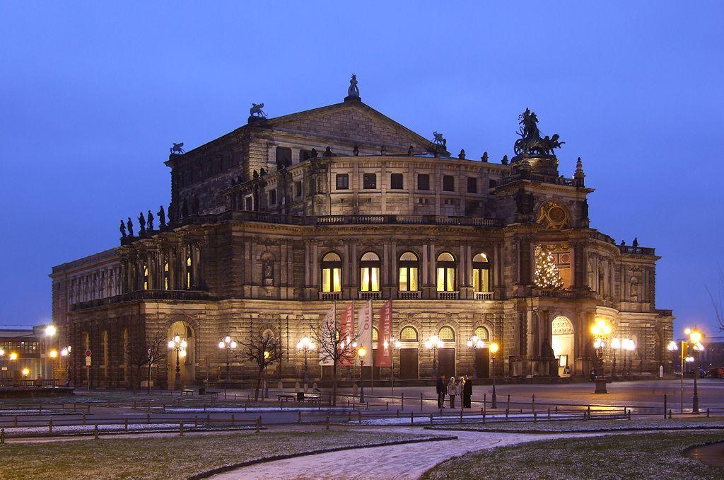 Оперный театр Дрездена