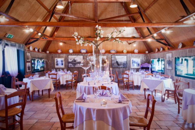 ресторан в деревянном стиле