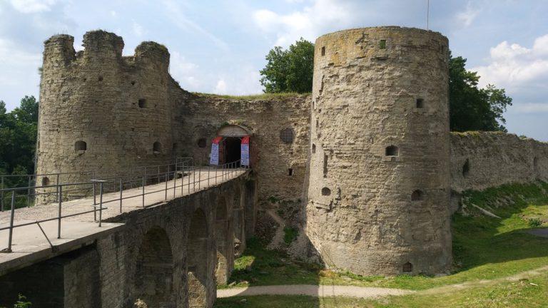 Башни крепости Копорье
