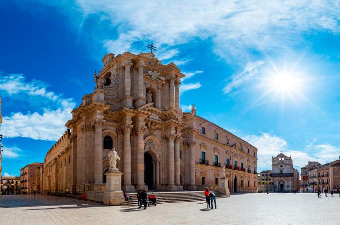 Собор Санта-Мария делле Колонна