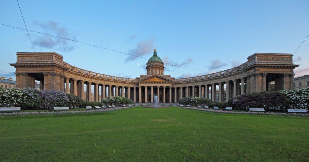 Достопримечательность: Казанский кафедральный собор Санкт-Петербург