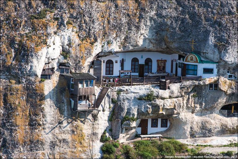 Благовещенский святой монастырь