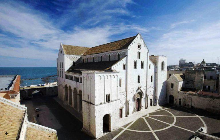 кафедральный собор святого Николая в городе Бари