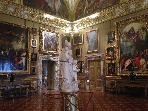 Интерьеры дворца Питти