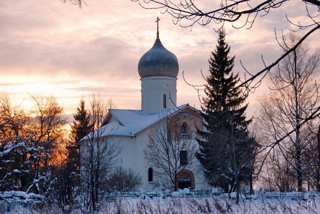 Церковь Благовещения в Аркажах