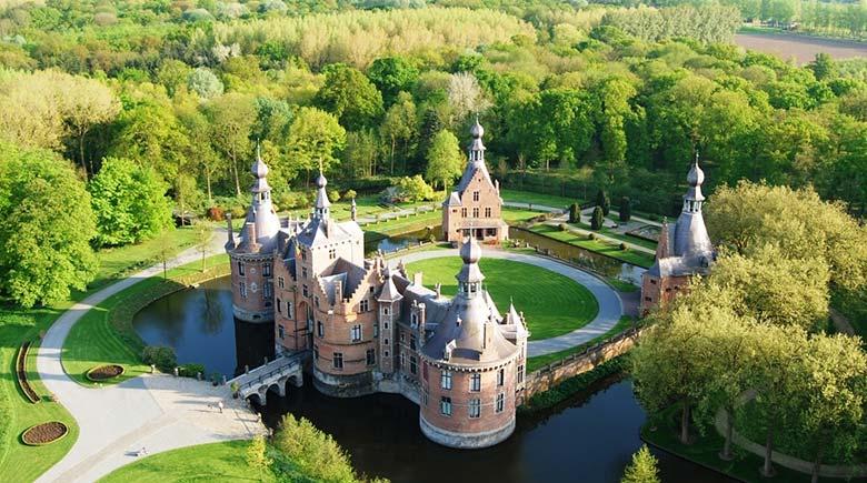 Замок Ван-Ойдонк