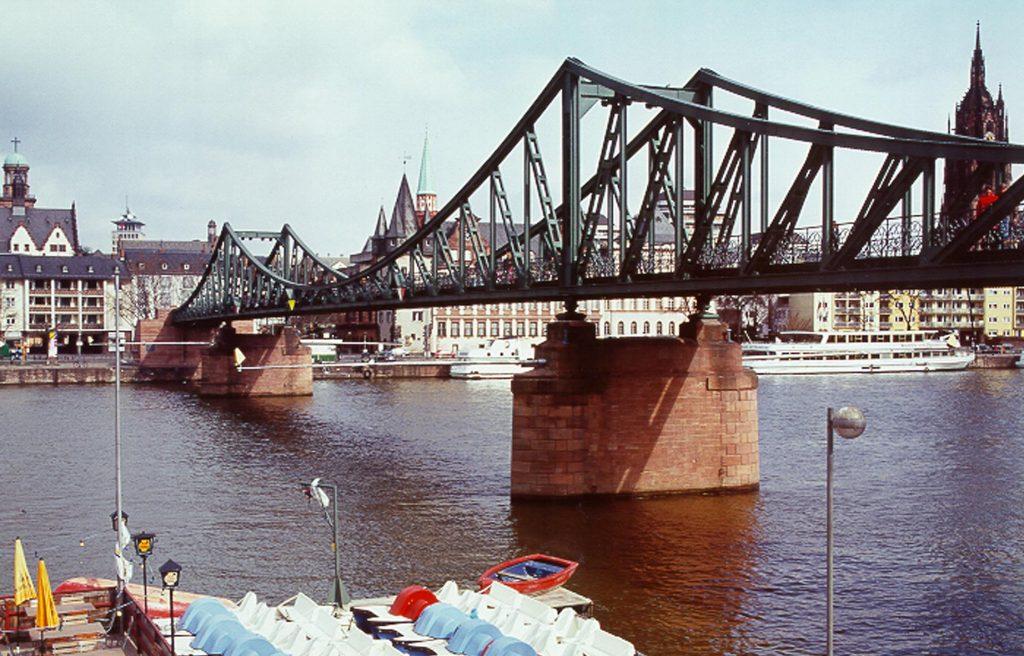 Старый мост Франкфурта