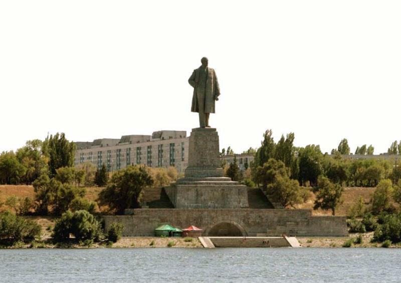 Памятник Ленину в Волгограде