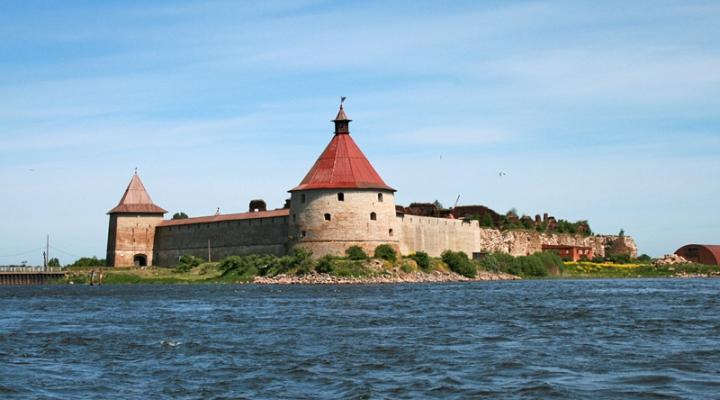 Вид Крепости Орешек с воды