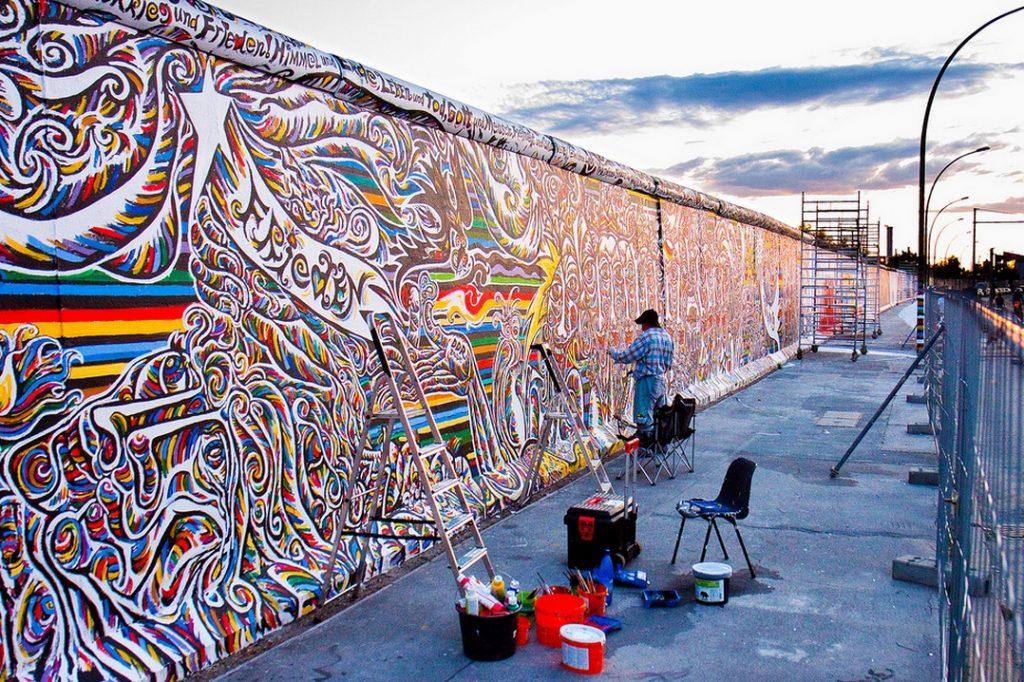 Берлинская стена — достопримечательность Германии