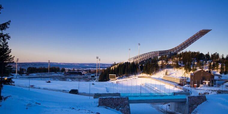 Лыжный трамплин в Хольменколлене