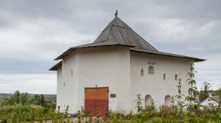 Спасская башня Вяземского кремля