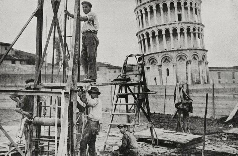 строительство Пизанской башни