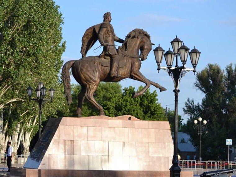 Памятник Михаилу Семёновичу Воронцову