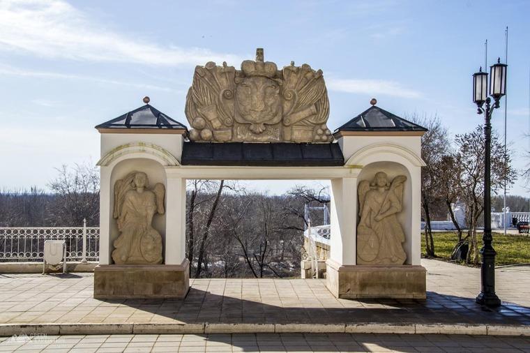 Елизаветинские ворота
