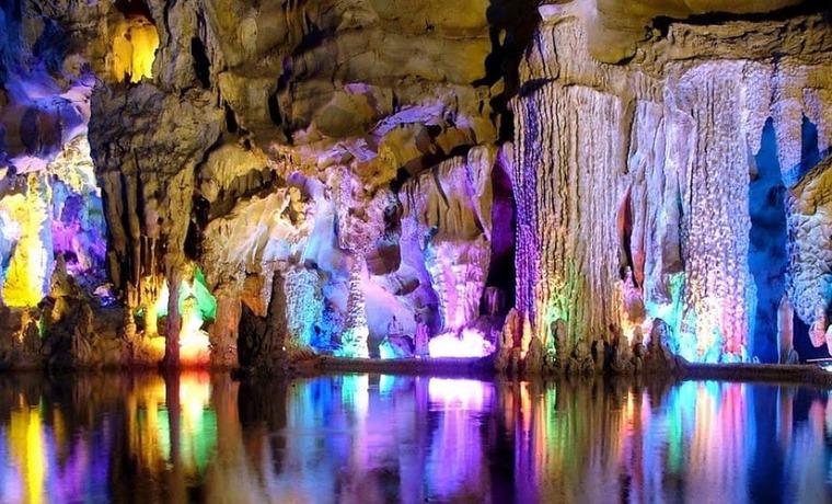 Мраморная пещера в Украине