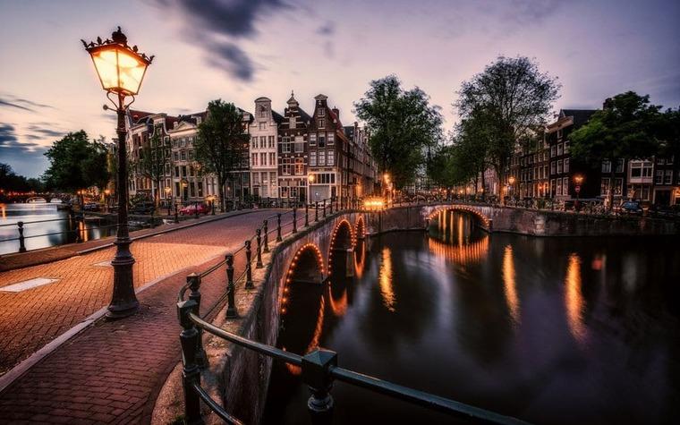 Нидерланды вечером