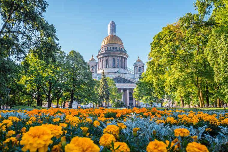 Россия весной