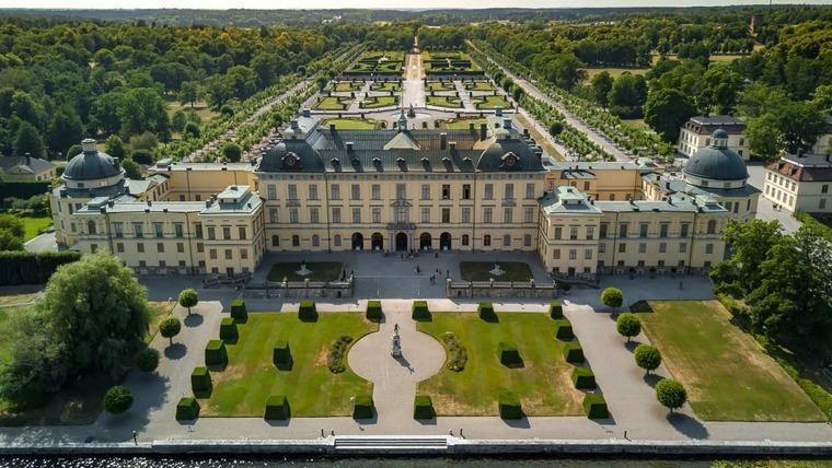 Замок Дроттнингхольм