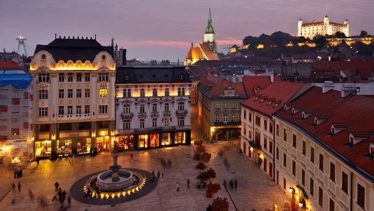 Главная площадь столицы Братиславы