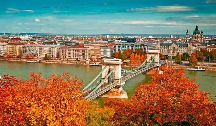 Столица Венгрии осенью