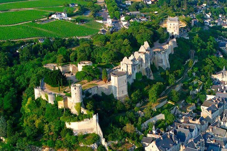 Королевская крепость Шинон